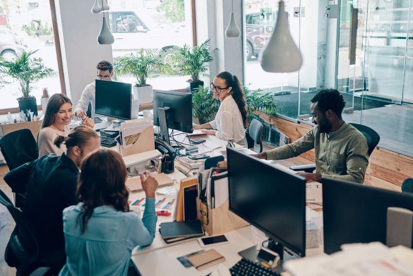Aprendizaje social e informal dentro de la empresa: cómo incorporarlo y qué ventajas tiene
